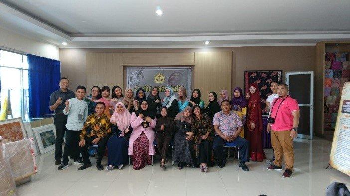 pameran batik 3 negara