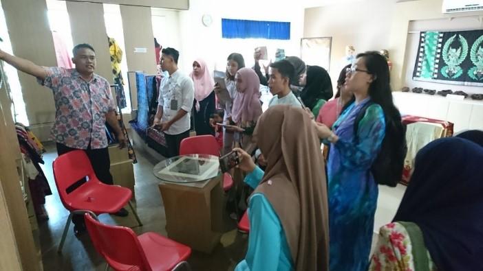 pameran batik universitas pekalongan 2018